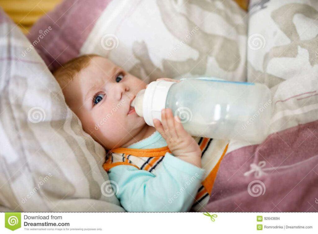 biberon bebe 4 meses